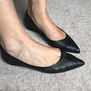Pointed Black Flats Vince Camuto NWT